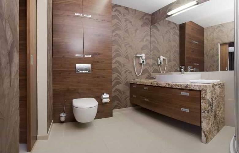 Hotel Platinum - Room - 8