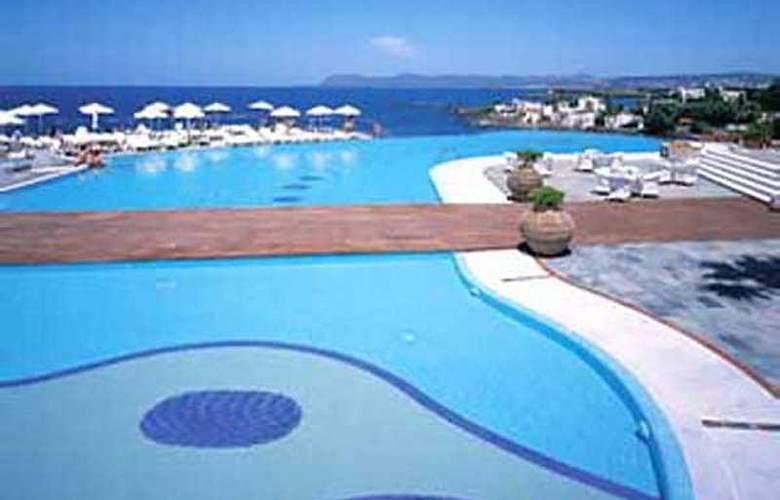 Panorama Hotel CHQ - Pool - 7