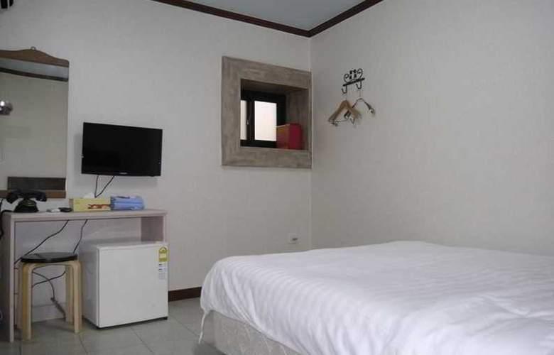 Hotel BonBon - Room - 2