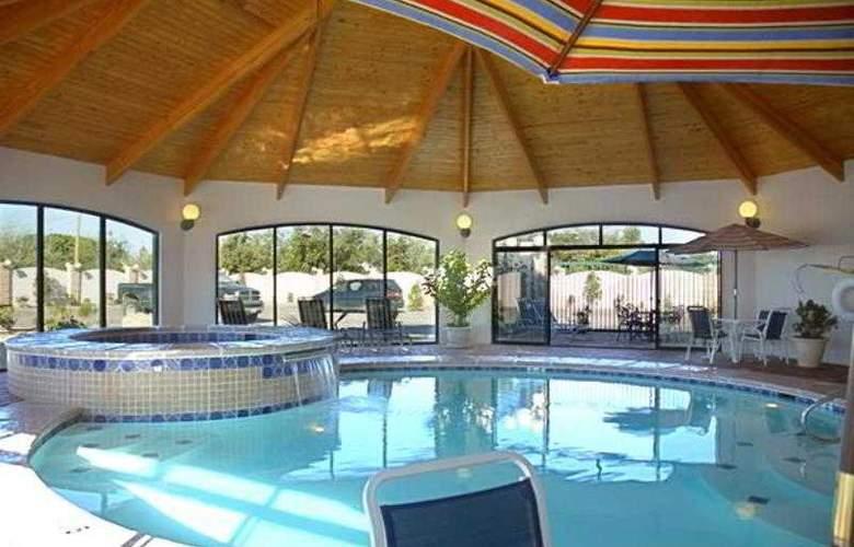 Tulip Inn Estarreja Hotel & Spa - Pool - 22