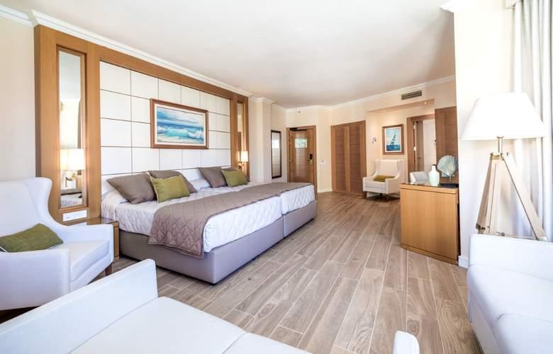 PortAventura - Room - 11