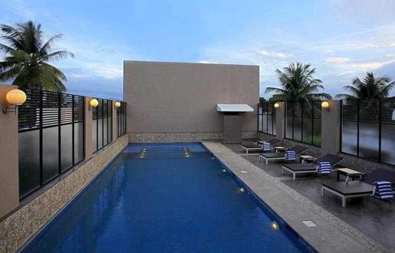 Deccan Rendezvous - Pool - 4