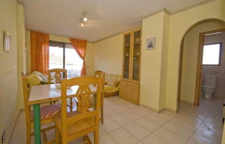 Playamar Apartamentos - Room - 5