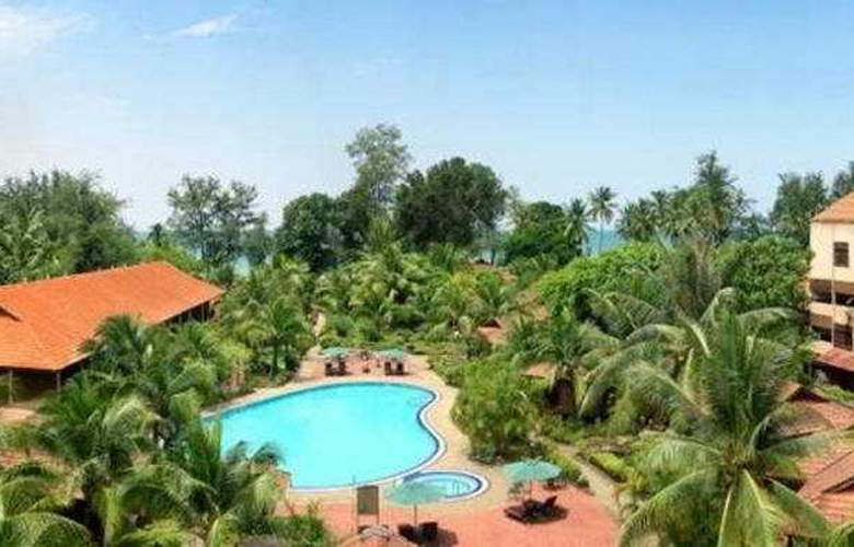 Holiday Villa Beach Resort Kuantan - General - 2