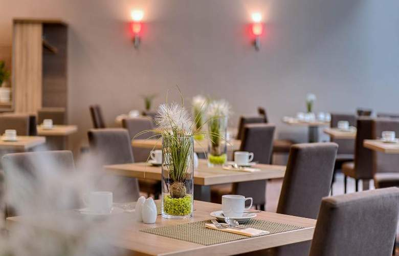 Park Inn by Radisson Dresden - Restaurant - 10