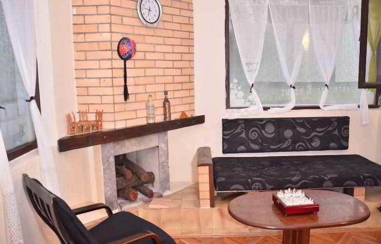 Kalonis Hostel - Room - 3
