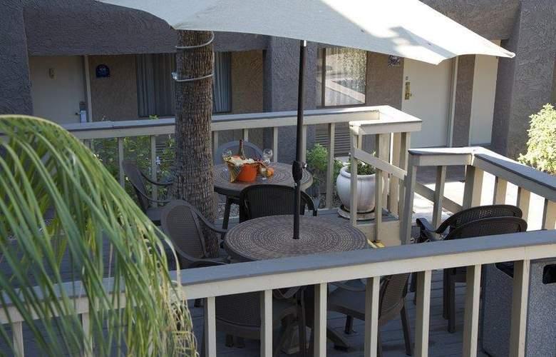 Best Western Plus Innsuites Phoenix Hotel & Suites - Hotel - 18
