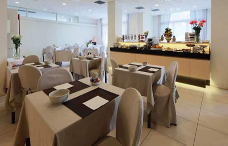 Best Western Cristallo - Restaurant - 87