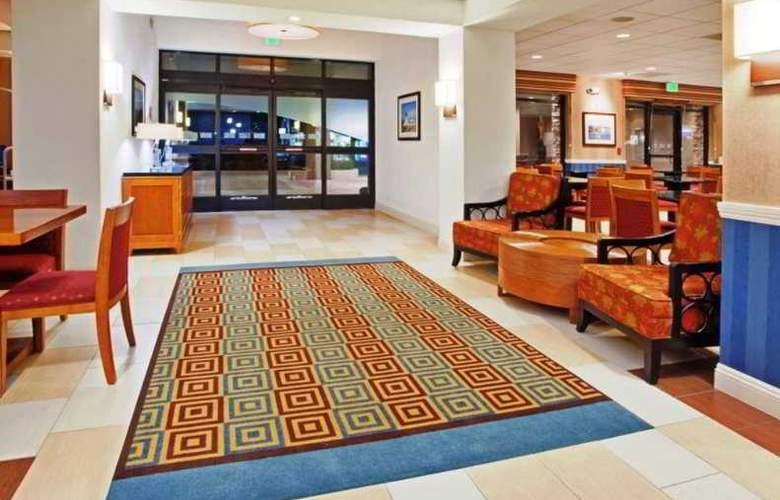 Holiday Inn Express & Suites Santa Cruz - General - 1