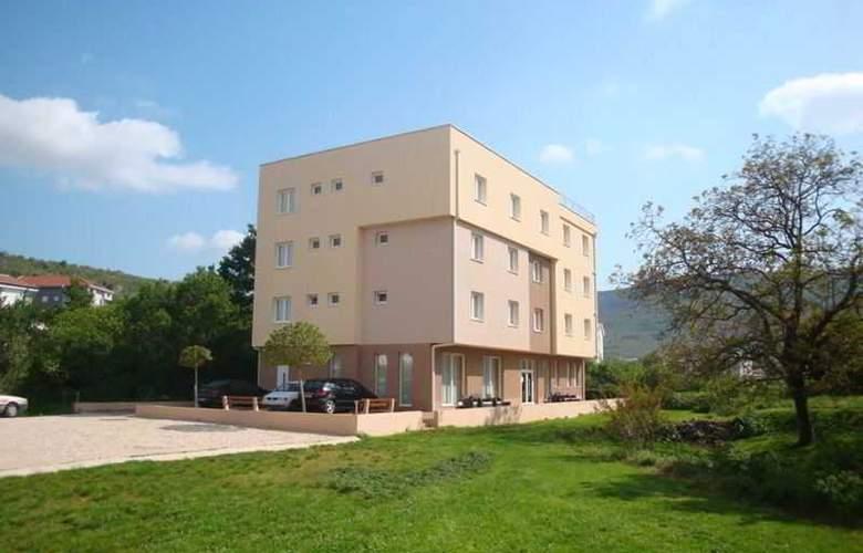 Villa Ruza - Hotel - 4