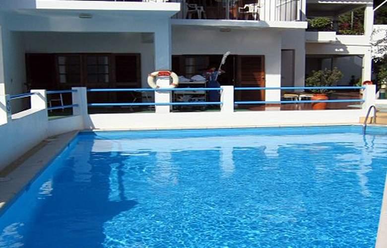 Residencial Vila Lusitania - Pool - 2