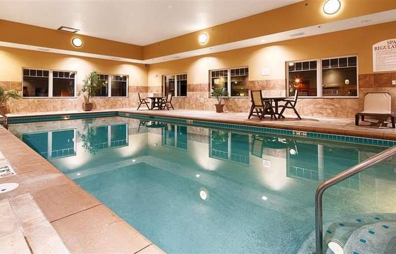 Best Western Plus Grand Island Inn & Suites - Pool - 51