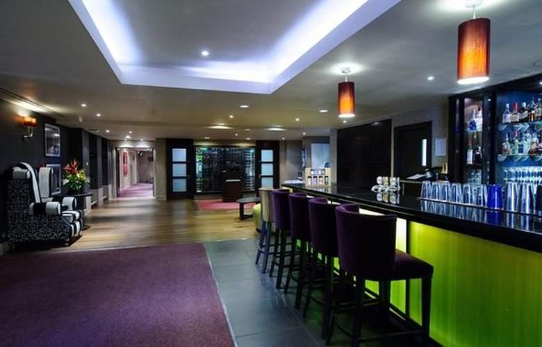 Cambridge - Bar - 16