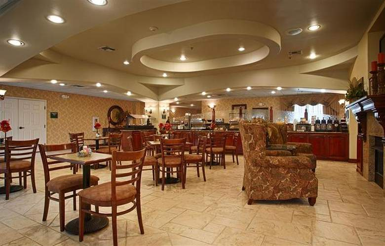 Best Western Plus Monica Royale Inn & Suites - Restaurant - 149