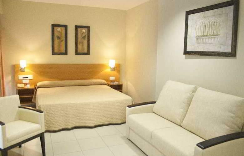 Hotel y Apartamentos (3LL) Lodomar Spa & Talasoterapia - Room - 2