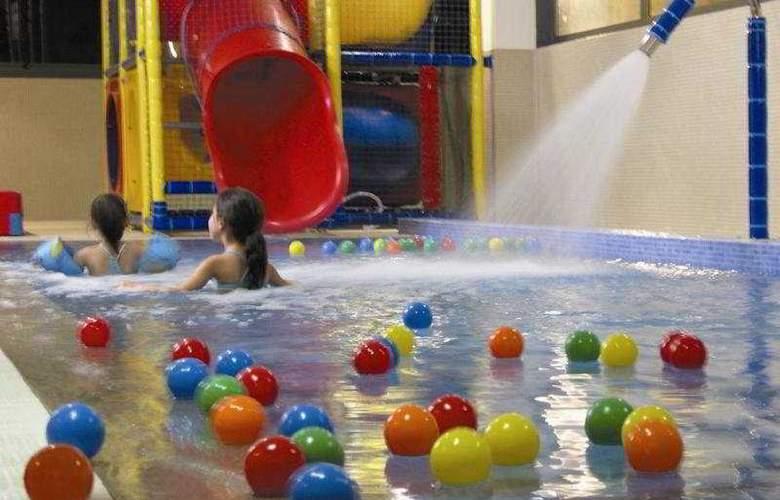 Balneario de Guitiriz - Pool - 9