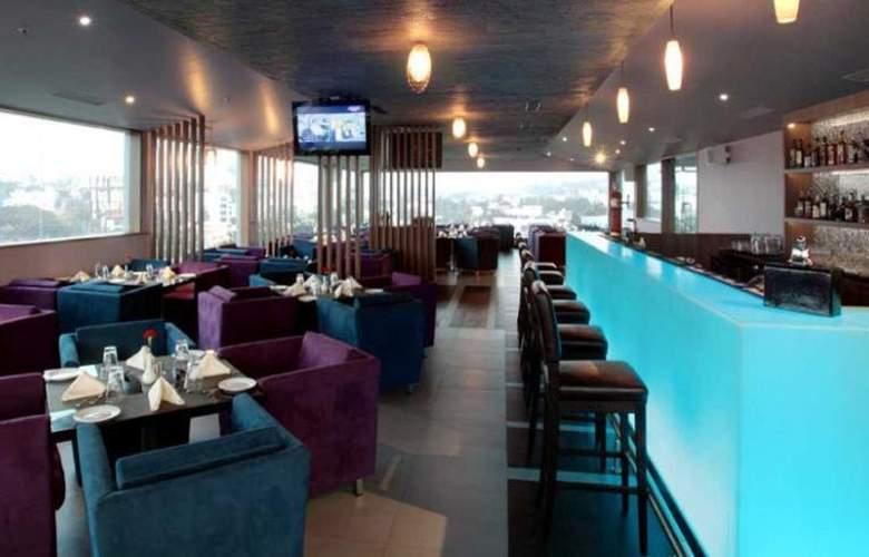 Daspalla Hotel Hyderabad - Bar - 5