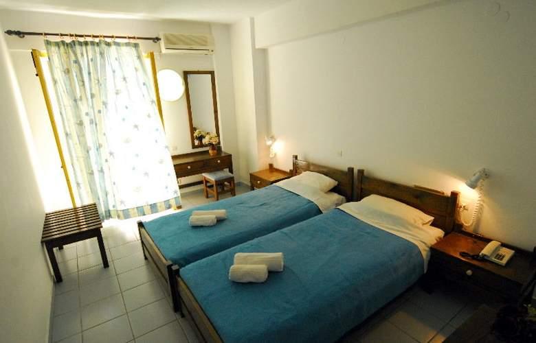 Acropolis Apartments - Room - 5