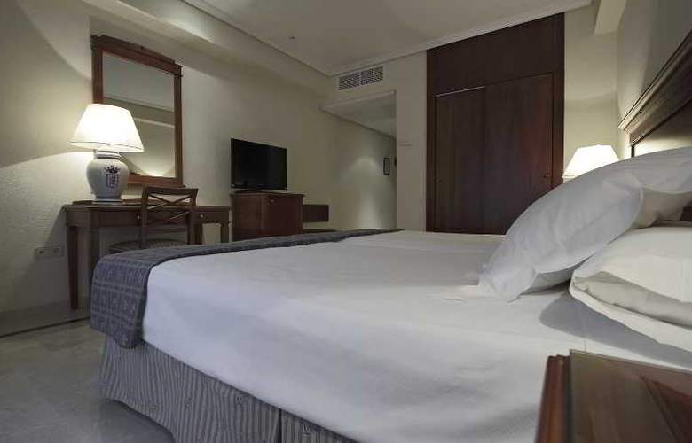 Fernando III - Room - 40