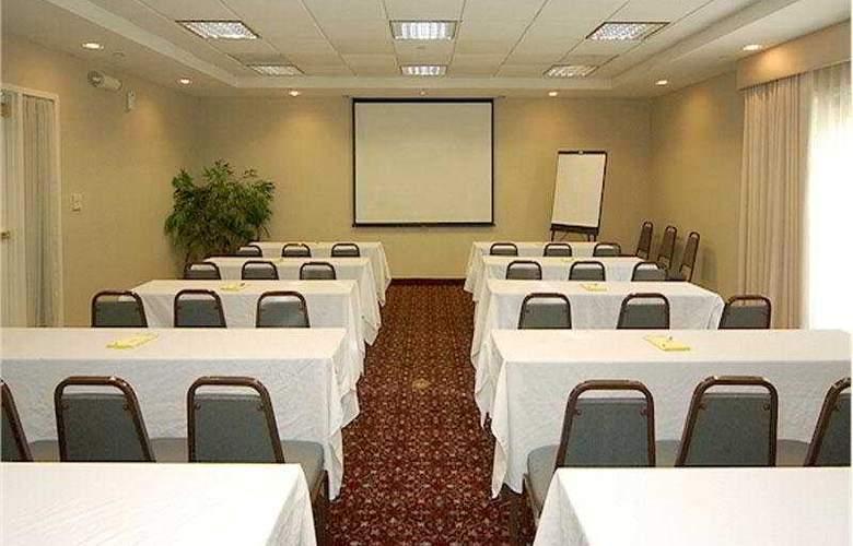 La Quinta Inn & Suites Birmingham Hoover - Conference - 5