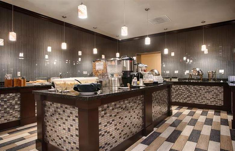 Best Western Plus Hotel & Conference Center - Restaurant - 81