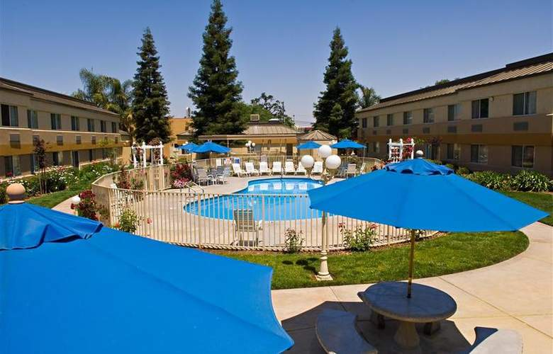 Best Western Porterville Inn - Pool - 28