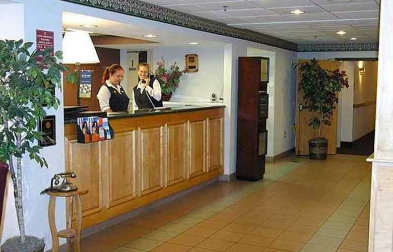 Hampton Inn Syracuse-North (Airport Area) - Hotel - 0