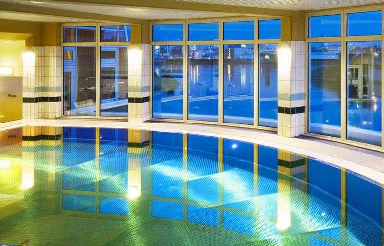 Holiday Inn Hamburg - Pool - 5