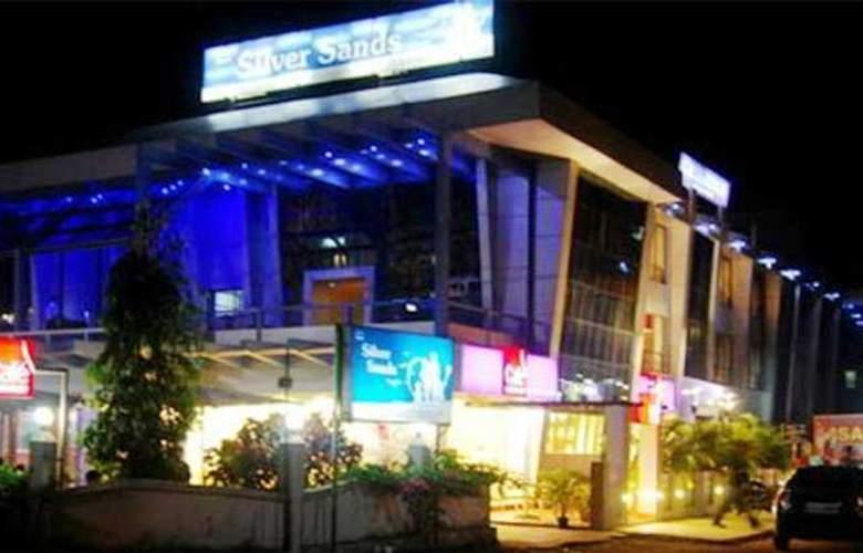 Silver Sands Beach Resort - Hotel - 0