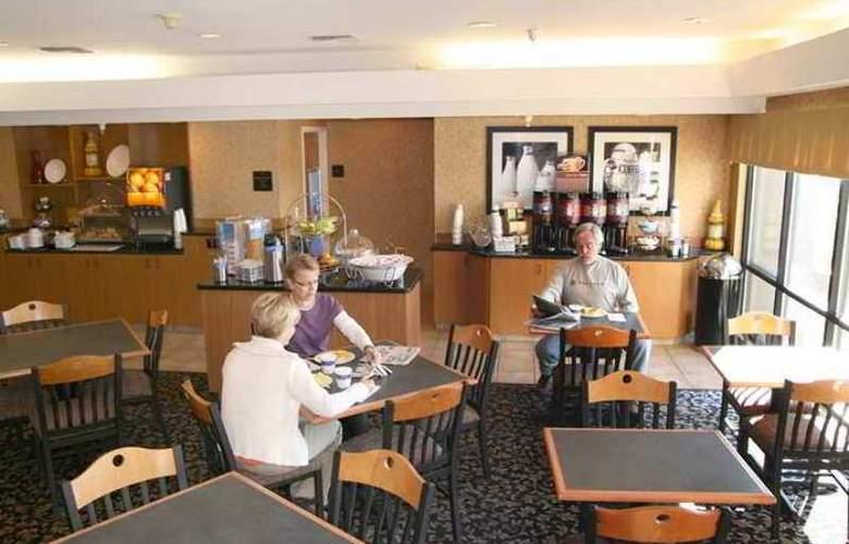 Hampton Inn Mitchell - Hotel - 6