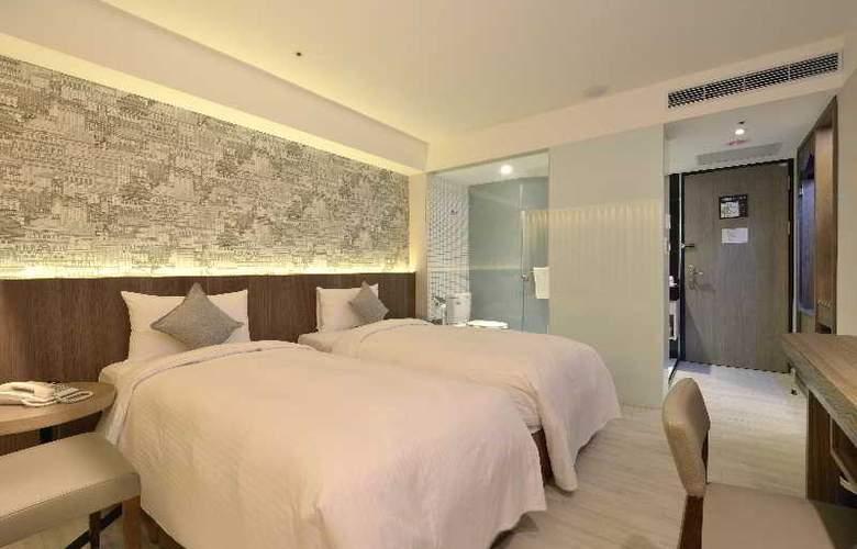 Regal Executive Suites - Room - 14