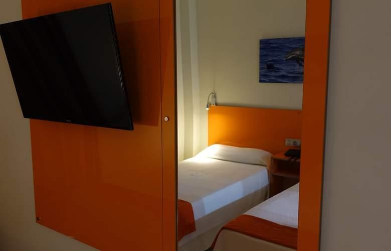 Andrea's - Room - 2