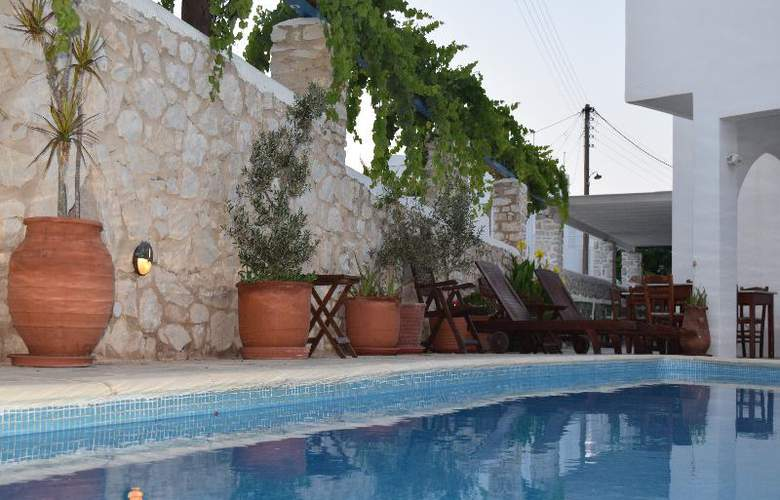 Aegeon - Terrace - 33