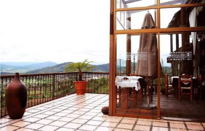 Eco Hotel Ixhi - Terrace - 5