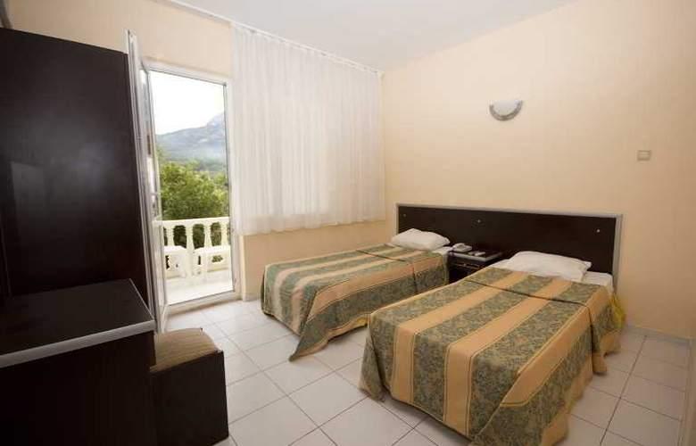 Paradise's Apple Hotel - Room - 5