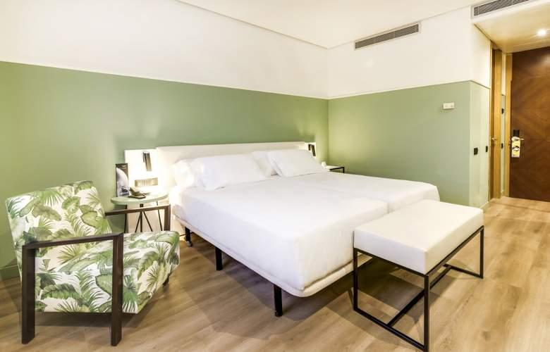 Sercotel Acteon Valencia - Room - 2