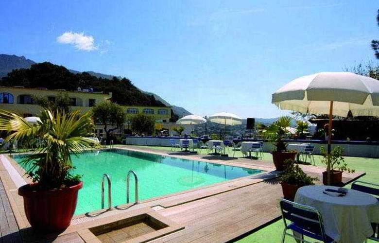 Parco Dei Principi - Pool - 1