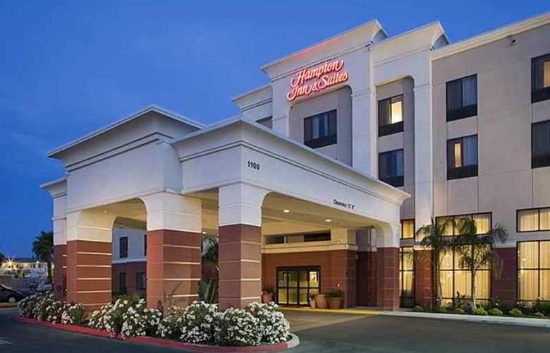 Hampton Inn & Suites Tulare - Hotel - 4