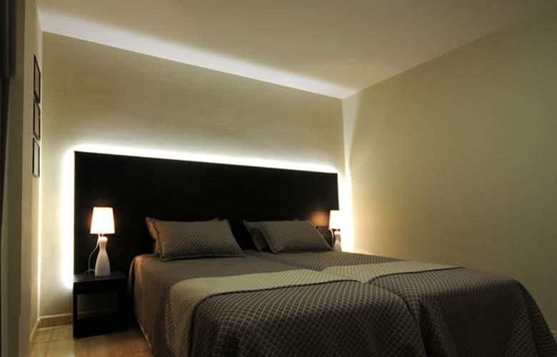 Montmar Roses - Room - 1