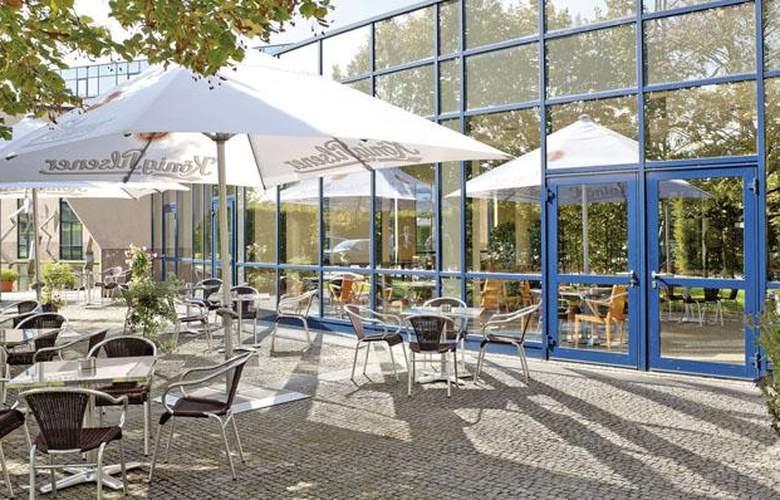 Tryp Dusseldorf Airport - Terrace - 7