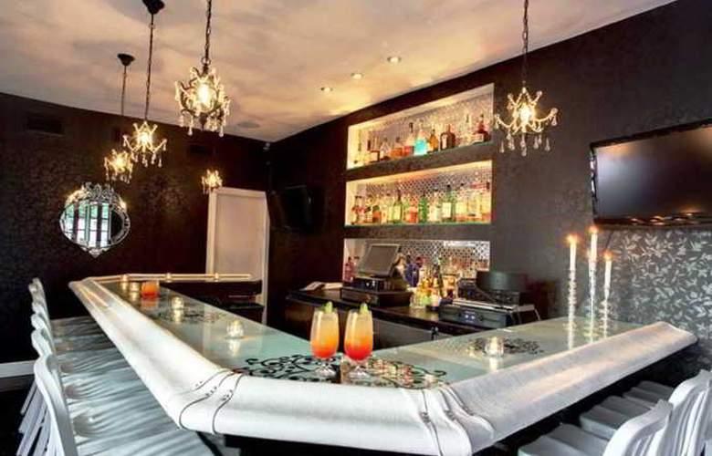 Suites of Dorchester - Bar - 5