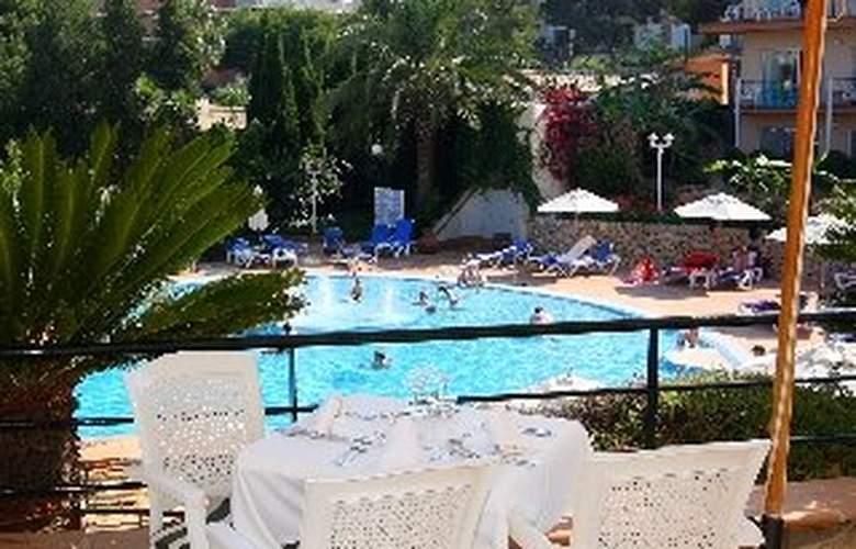 Valentin Park - Pool - 7