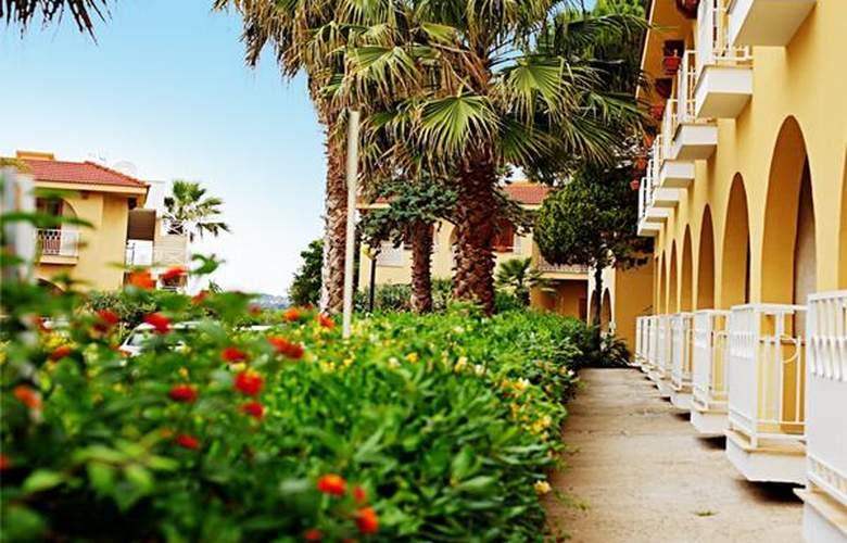 Perla Del Golfo - Hotel - 0