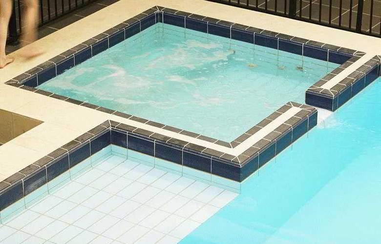 Cambridge - Pool - 4