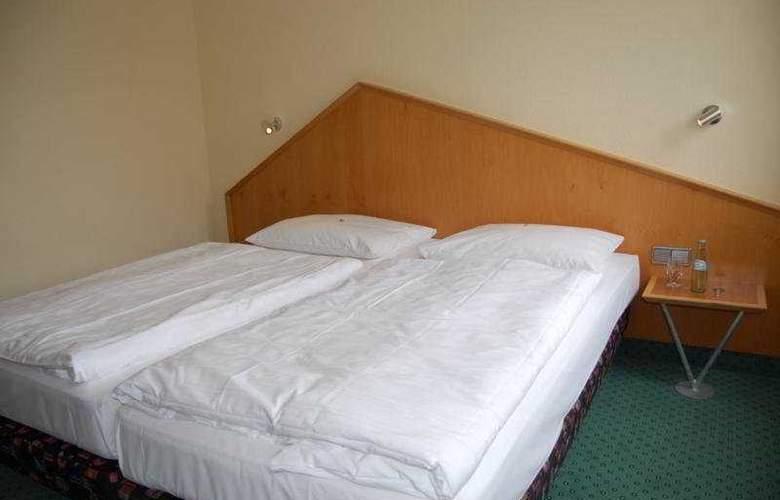 A2 - Room - 6