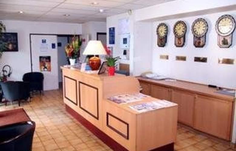 Comfort Hotel Cergy Pontoise - General - 1