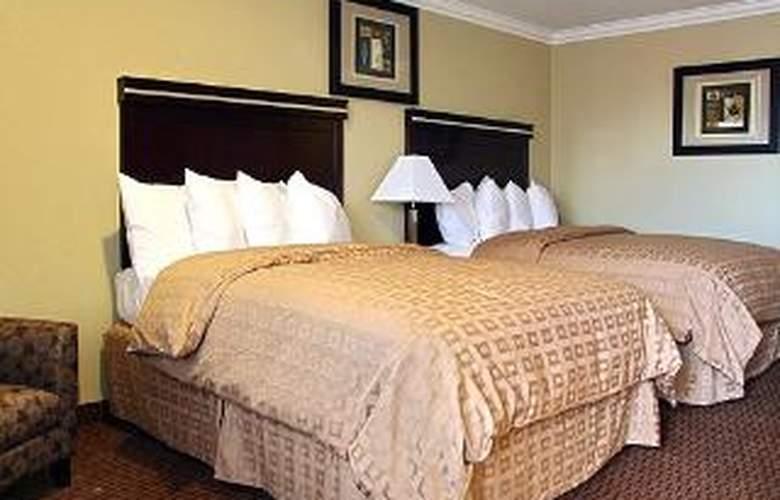 Clarion Inn - Room - 5