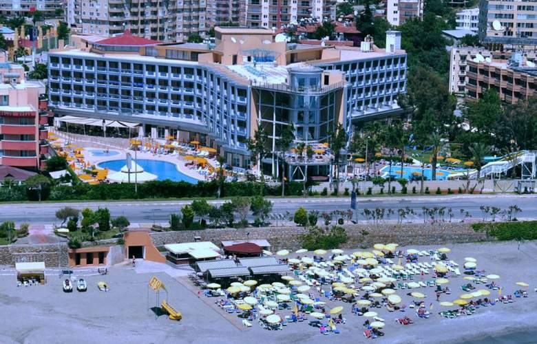 Grand Kaptan - Beach - 2