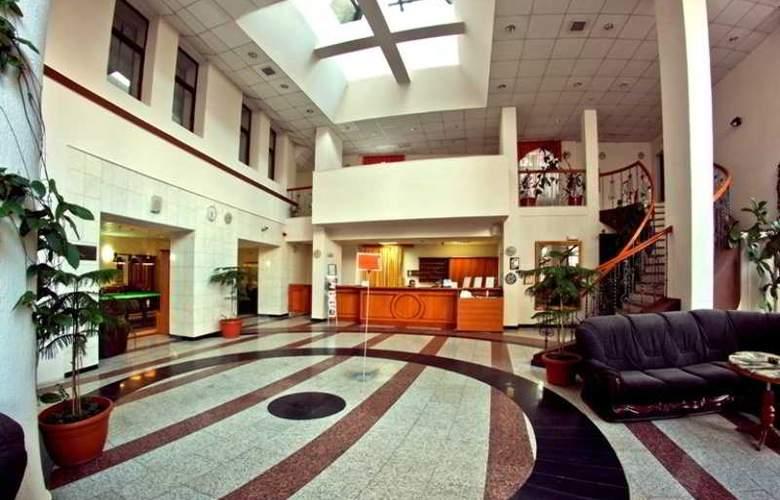 Trans Hotel - General - 1