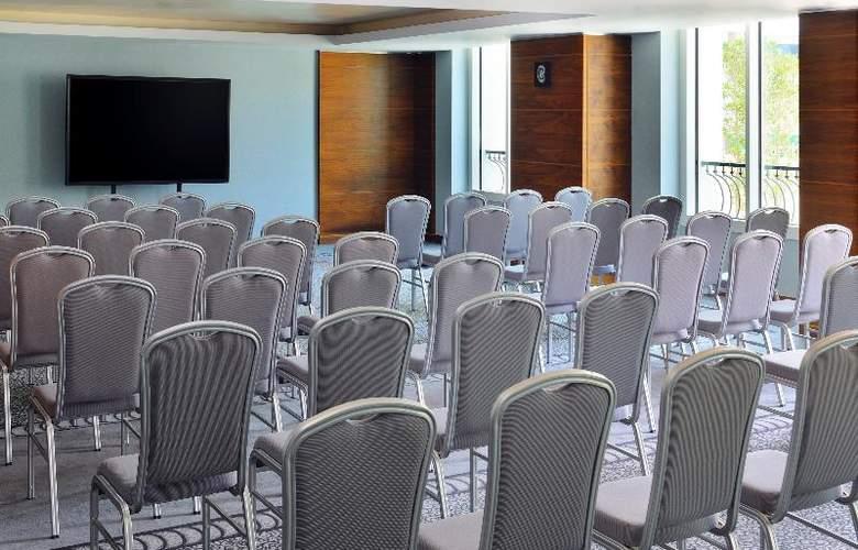 Avani Deira Dubai - Conference - 12